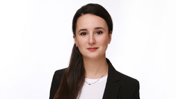 [Translate to Englisch:] International Economic Law-Alumna Zedlira Kelmendi